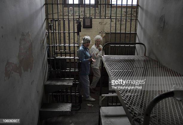 ME_LORTON 9162006 jahi chikwendiu/TWP Sidney Goldsby left and Rose Mary Griggs both of Woodbridge toured the holding cells of Lorton Prison at the...