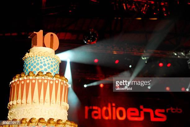 10 Jahre Radio Eins riesige Geburtstagstorte anlässlich der Geburtstagsparty in der Arena in Berlin