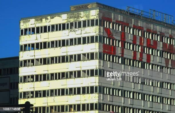 Jahrelanger Leerstand am Alex der lange Komplex des ehemaligen Hauses der Statistik der DDR ca 4729 m2 Nutzflaeche Jetzt will eine Initiative den...