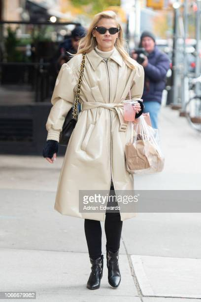 Jaime King on November 12 2018 in New York City