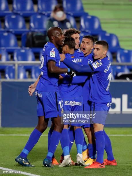 Jaime Mata of Getafe celebrates 1-0 with Allan Nyom of Getafe, Damian Suarez of Getafe, Mauro Arambarri of Getafe during the La Liga Santander match...