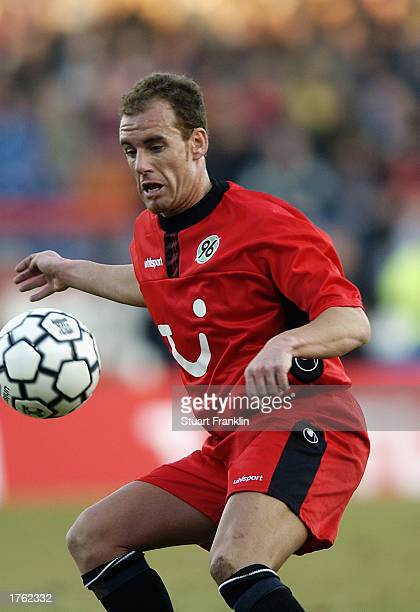 Jaime Sanchez of Hannover 96 in action during the German Bundesliga match between Hannover 96 and SV Hamburg held on January 25 2003 at The AWD...
