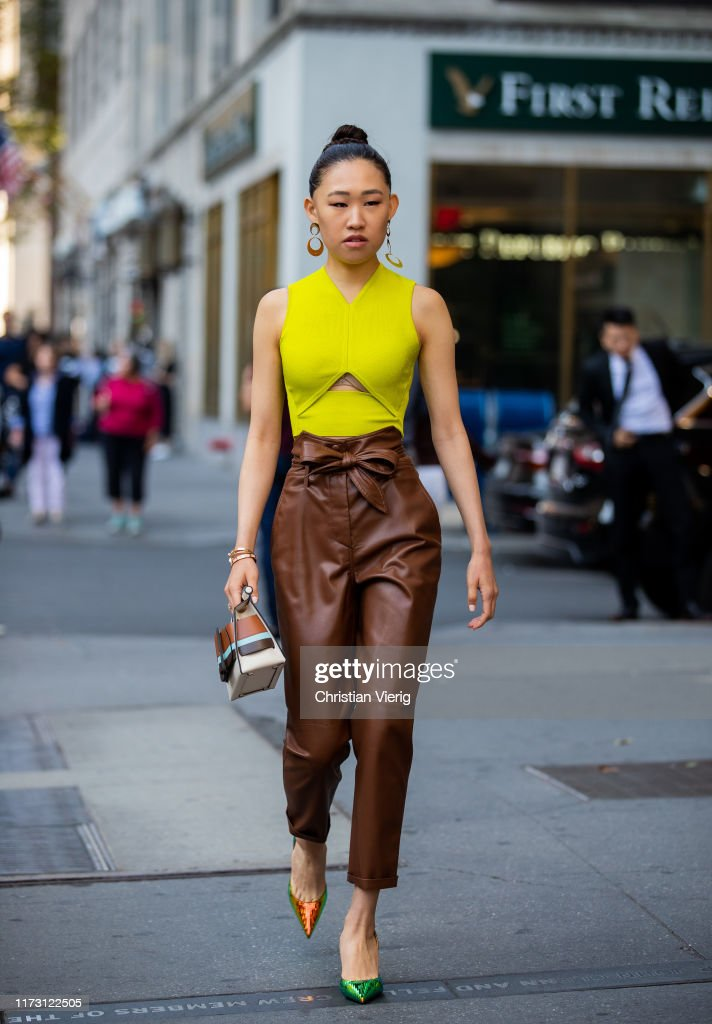 Street Style - New York Fashion Week September 2019 - Day 3 : News Photo