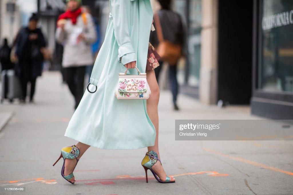 Street Style - New York Fashion Week February 2019 - Day 5 : News Photo