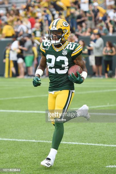 Jaire Alexander of the Green Bay Packers participates in warmups prior to a preseason game against the Pittsburgh Steelers at Lambeau Field on August...
