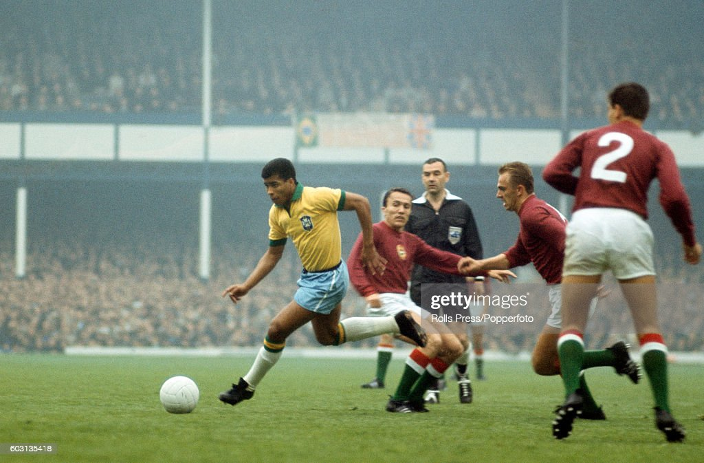 1966 FIFA World Cup - Hungary v Brazil : News Photo