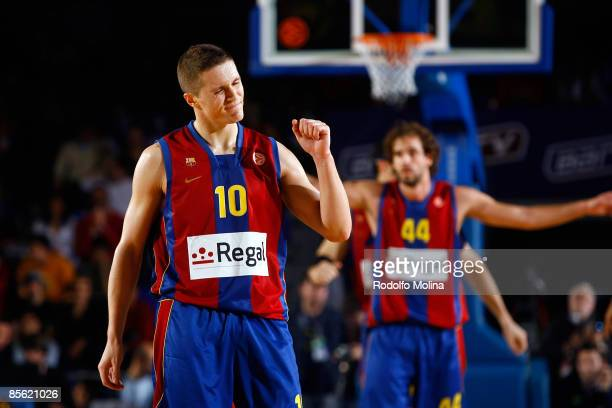 Jaka Lakovic #10 of Regal FC Barcelona in action during the Play off Game 2 Regal FC Barcelona v Tau Ceramica on March 26 2009 at the Palau Blaugrana...
