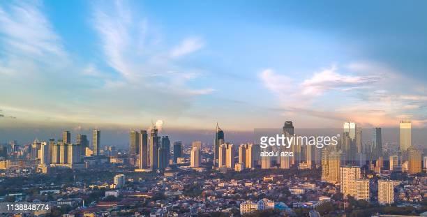 jakarta central business district golden hour - jakarta foto e immagini stock