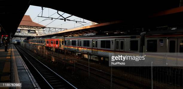 Daily life of Commuter Train in Jakarta Although Mass Rapid Transportation already operated but commuter train still the main transportation for...