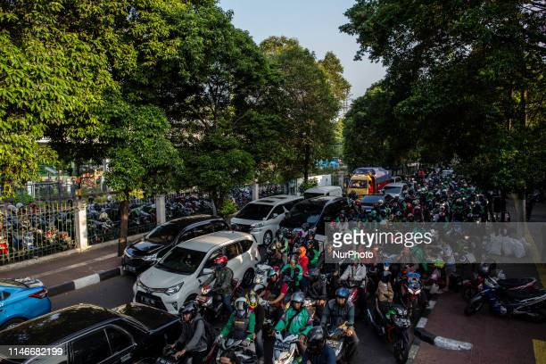 Traffic Jam happening again in Jakarta during rush hour after riots 21 and 22 mei 2019 Although MRT have operated to reduce traffic jam in rush hour...