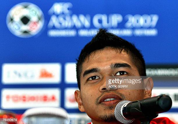 Indonesian national football team player Bambang Pamungkas answers a question during a press conference in Jakarta 17 July 2007 Indonesia will play...