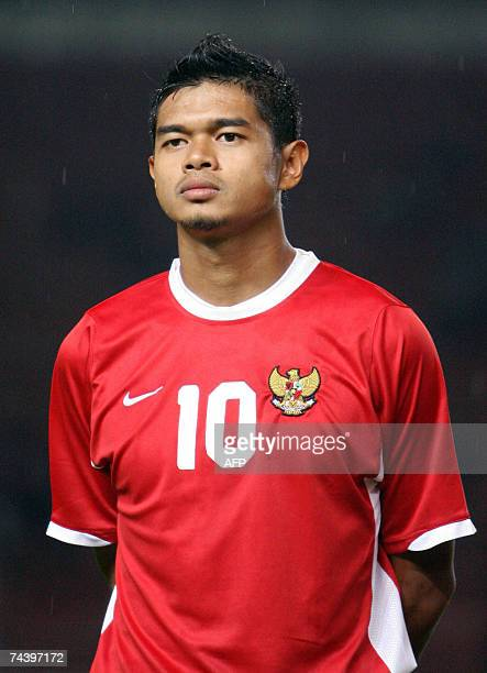 This picture taken 01 June 2007 shows Indonesian national football team player Bambang Pamungkas before a match in Jakarta AFP PHOTO/Ahmad ZAMRONI