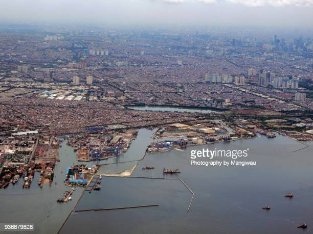 jakarta port - indonesia logistics ストックフォトと画像