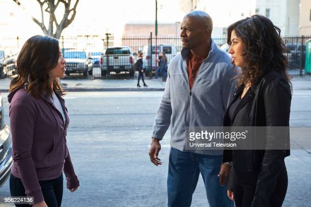 NINE 'Jake Amy' Episode 522 Pictured Gina Rodriguez as Alicia Terry Crews as Terry Jeffords Stephanie Beatriz as Rosa Diaz
