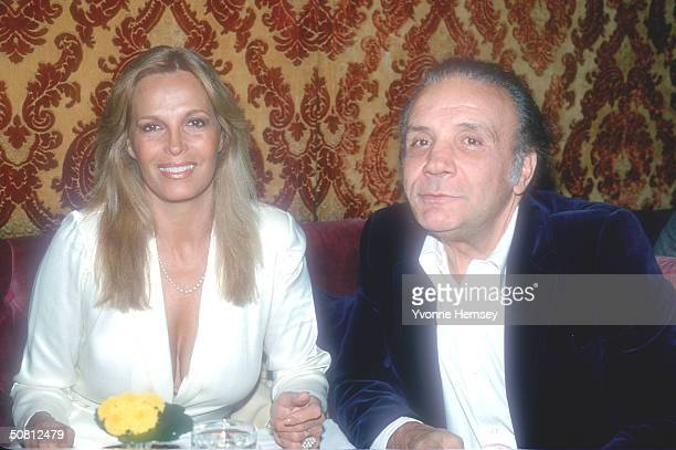 Jake and Vicki LaMotta pose for a photo December 1 1980 in New York City