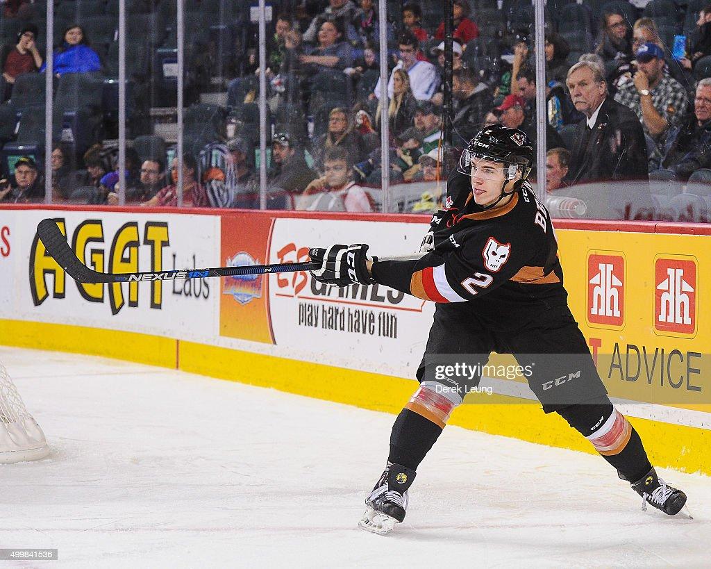 Prince Albert Raiders v Calgary Hitmen : News Photo