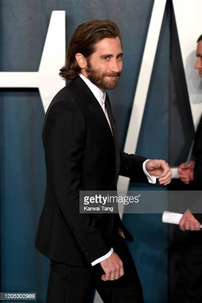 Jake Gyllenhaa attends the 2020 Vanity Fair Oscar Party hosted by Radhika Jones at Wallis Annenberg Center for the Performing Arts on February 09...