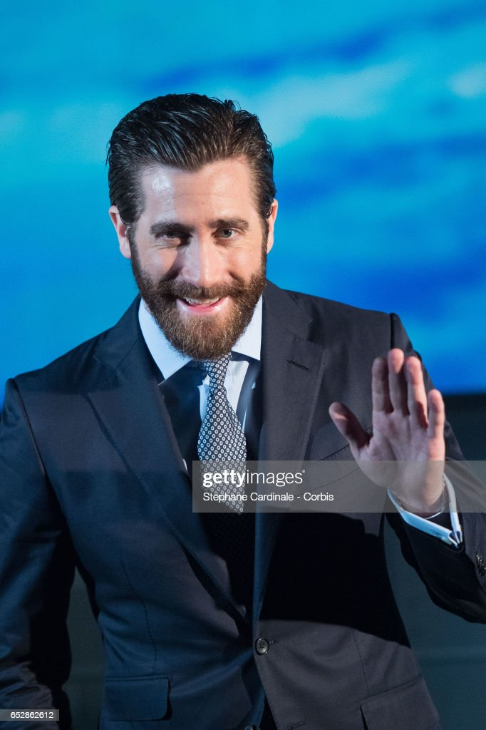 Jake Gyllenhaal attends 'Life' Photo Call at Paris Planetarium on March 13, 2017 in Paris, France.