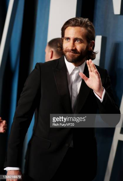 Jake Gyllenhaal attends the 2020 Vanity Fair Oscar Party hosted by Radhika Jones at Wallis Annenberg Center for the Performing Arts on February 09...