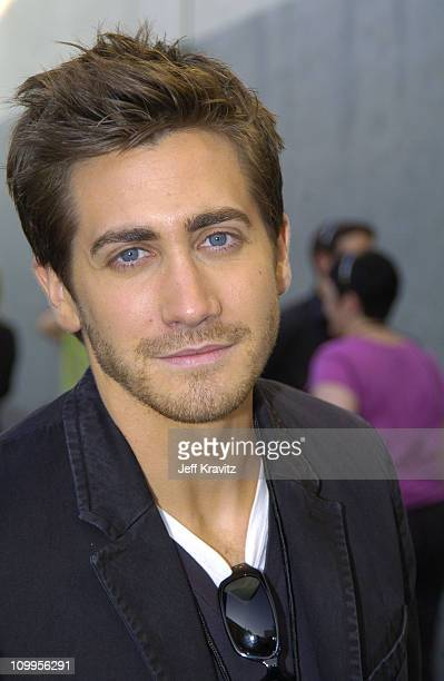 Jake Gyllenhaal during 2004 MTV Movie Awards Backstage and Audience at Sony Pictures Studios in Culver City California United States