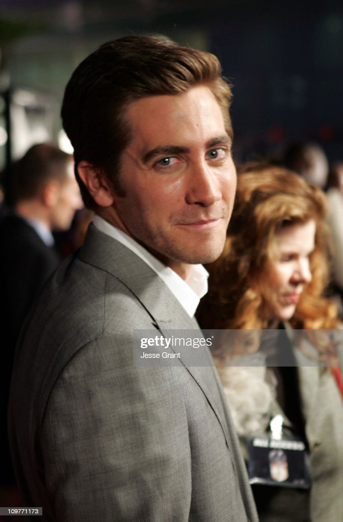 Jake Gyllenhaal during Universal Pictures' 'Jarhead' World Premiere - Arrivals at Arclight Hollywood in Hollywood, California, United States.