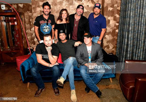 Jake Owen Ginger Gilbert Ravella Lee Brice Dallas Davidson Tyler Farr Chuck Wicks and Rob Hatch attend Lee Brice Presents The Analog Series at Hutton...