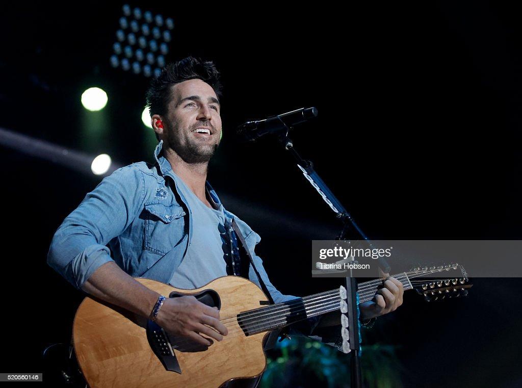 Jake Owen performs at Country Thunder Arizona 2016 at Country Thunder West on April 9, 2016 in Florence, Arizona.