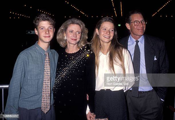Jake Paltrow actress Blythe Danner actress Gwyneth Paltrow and producer Bruce Paltrow attend 'The Prince of Tides' Century City Premiere on December...