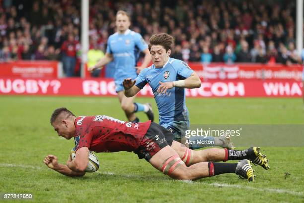 Jake Polledri of Gloucester scores a try during the AngloWelsh Cup match between Gloucester Rugby and London Irish at Kingsholm Stadium on November...