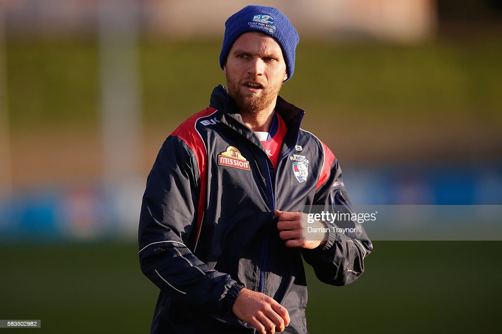 6cf98fbf0cb Jake Stringer of the Bulldogs warms up before a Western Bulldogs AFL ...