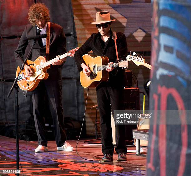 Jakob Dylan and the Gold Mountain Rebels perform at the Farm Aid concert at the Comcast Center in Mansfield