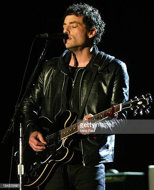 Jakob Dylan performs with the Wallflowers during the first ever concert on Alcatraz Island in San Francisco Bay on October 2002