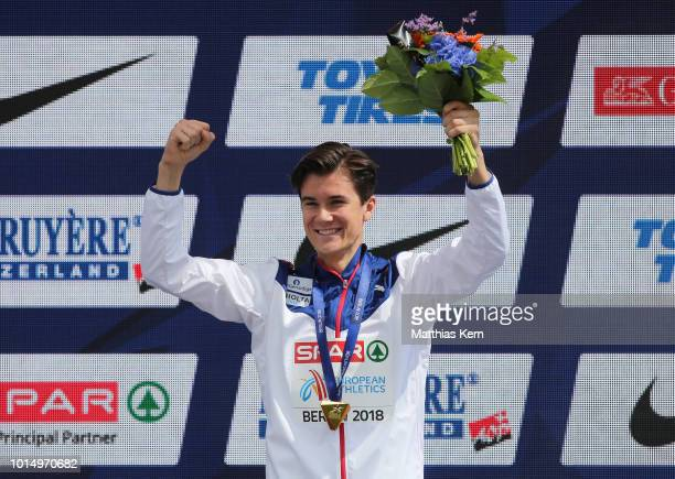 Jakob Ingebrigtsen of Norway gold poses with his medal for the Men's 1500 metres during day five of the 24th European Athletics Championships at...
