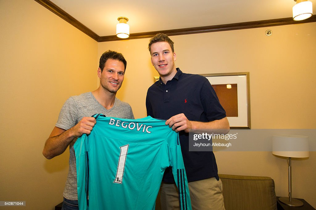 Jakob Poeltl meets with Asmir Begovic of the English soccer club Chelsea on June 22, 2016 in New York City.