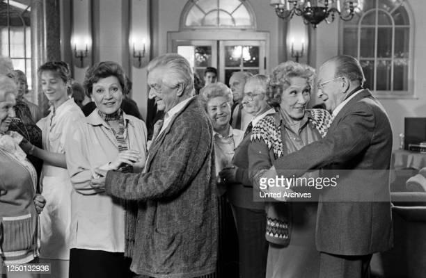 Jakob und Adele, Fernsehserie, Deutschland 1988, Darsteller: Louise Martini, Brigitte Horney, Carl Heinz Schroth.