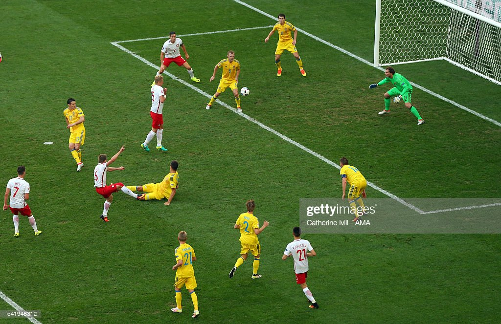 Jakub Blaszczykowski of Poland scores a goal to make it 0-1 during the UEFA EURO 2016 Group C match between Ukraine and Poland at Stade Velodrome on June 21, 2016 in Marseille, France.