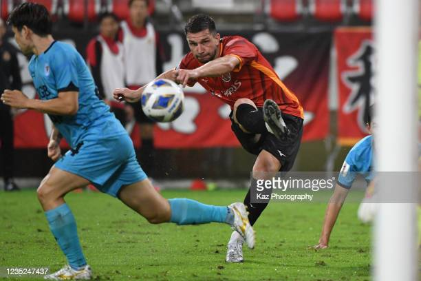 Jakub Swierczok of Nagoya Grampus scores his 3rd goal during the AFC Champions League round of 16 match between Nagoya Grampus and Daegu FC at the...
