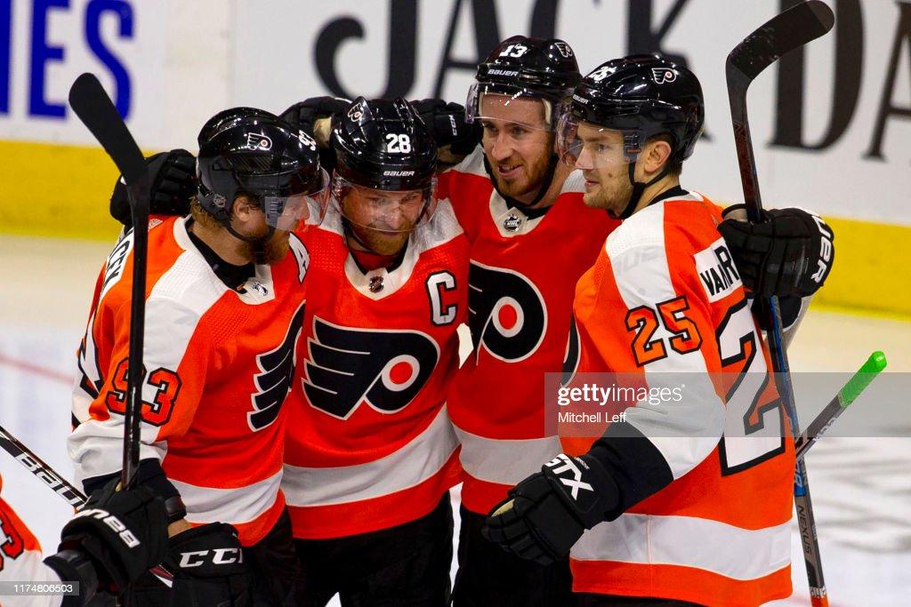 New Jersey Devils v Philadelphia Flyers : News Photo