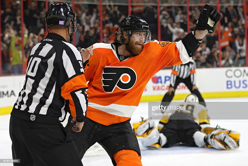 Jakub Voracek #93 of the Philadelphia Flyers celebrates a penalty shot goal on goalie Marc-Andre Fleury #29 of the Pittsburgh Penguins during the second period at Wells Fargo Center on October 29, 2016 in Philadelphia, Pennsylvania.
