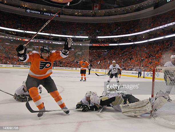 Jakub Voracek of the Philadelphia Flyers scores a powerplay goal at 1552 of the first period against the Pittsburgh Penguins in Game Four of the...