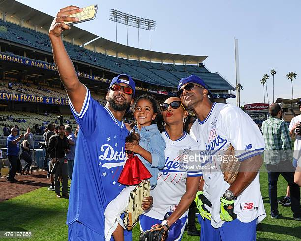 Jaleel White Samaya White Vivica A Fox and Shemar Moore take a selfie at the Dodgers' Hollywood Stars Night Game at Dodger Stadium on June 6 2015 in...