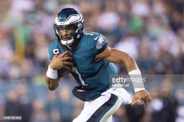 Jalen Hurts of the Philadelphia Eagles runs the ball against the Tampa Bay Buccaneers at Lincoln Financial Field on October 14, 2021 in Philadelphia,...