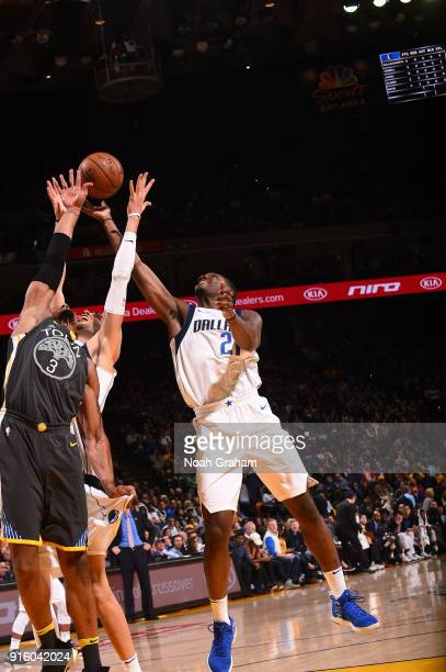 Jalen Jones of the Dallas Mavericks shoots the ball against the Golden State Warriors on February 8 2018 at ORACLE Arena in Oakland California NOTE...