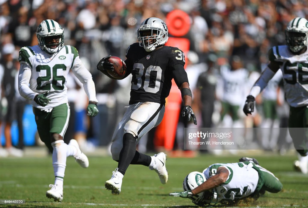 New York Jets v Oakland Raiders : News Photo