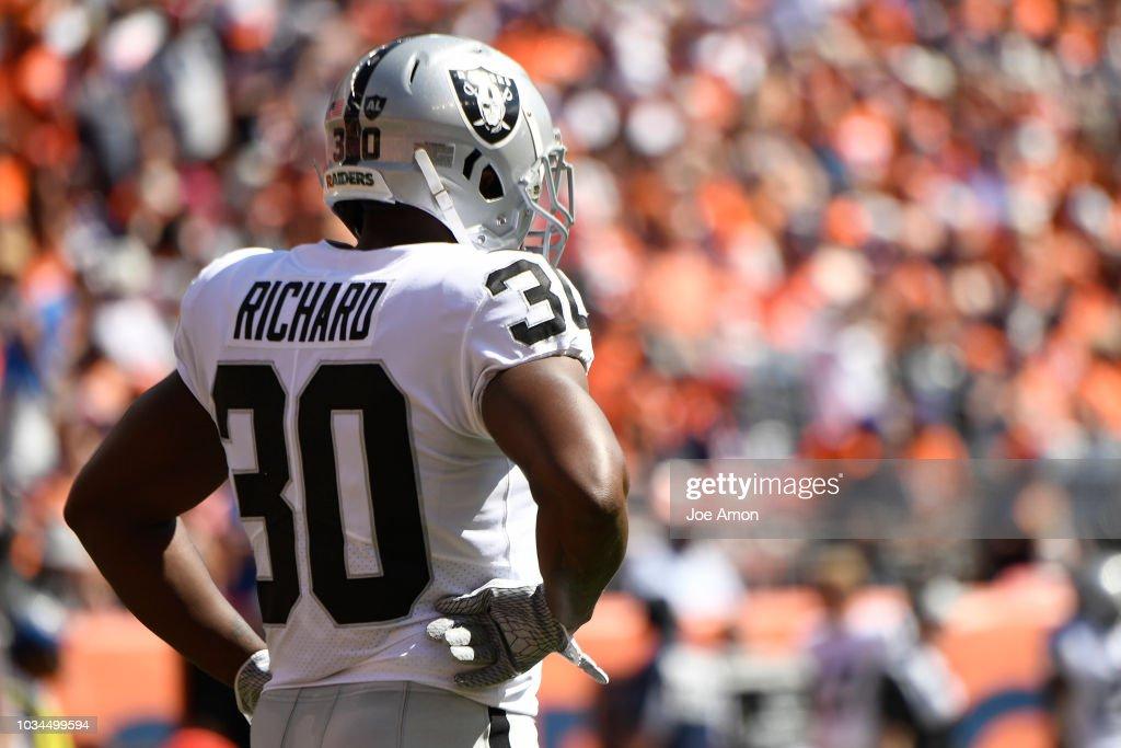 Denver Broncos vs. Oakland Riaders, NFL Week 2 : News Photo