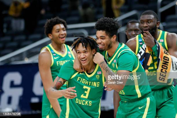 Jalen Terry of the Oregon Ducks reacts to defeating the Iowa Hawkeyes in the second round game of the 2021 NCAA Men's Basketball Tournament at...