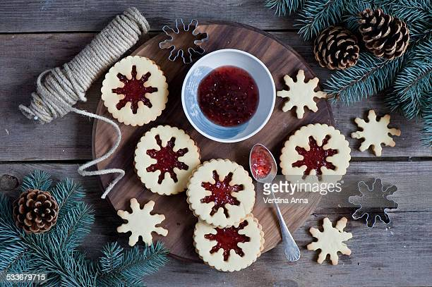 jam cookies - christmas cookies stock pictures, royalty-free photos & images