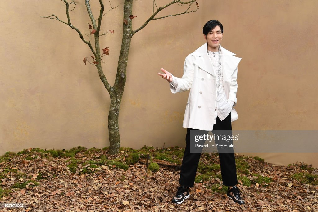 Chanel : Photocall - Paris Fashion Week Womenswear Fall/Winter 2018/2019 : News Photo