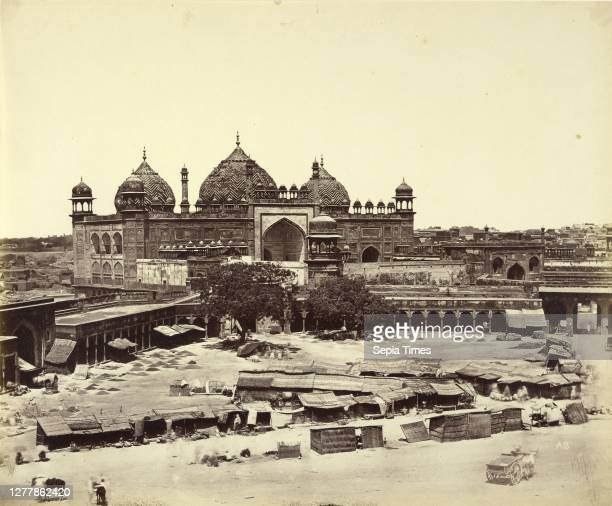 Jama Masjid, Agra; Felice Beato , Henry Hering ; India; about April 1859; Albumen silver print.