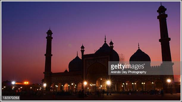 jama masjid in twilight - agra jama masjid mosque stock pictures, royalty-free photos & images